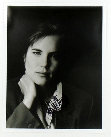 ORIGINAL SIGNED PHOTOGRAPH. Elizabeth McGOVERN.