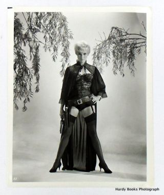 "ORIGINAL MOVIE STILL PHOTOGRAPH: ""KID RODELO"" 1966. Janet LEIGH"