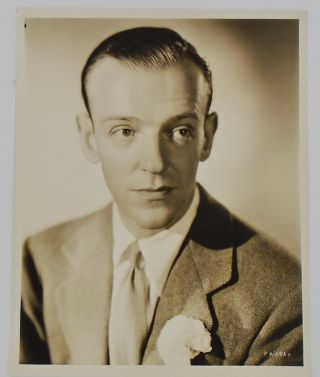 ORIGINAL PHOTOGRAPH OF FRED ASTAIRE. Fred ASTAIRE, Ernest A., BACHRACH