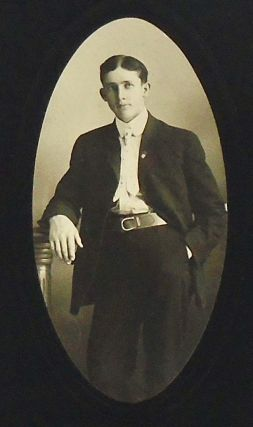 PHOTOGRAPH: YOUNG MAN OF THE GOLD COUNTRY. CIRCA 1900